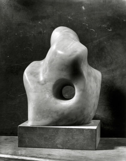 "Stone carving ""Pieced Form 1932"""