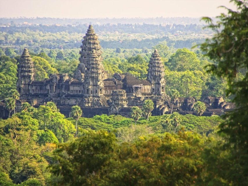 angkor-covers-more-than-154-square-miles--in-comparison-manhattan-only-covers-33